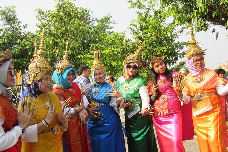 BANGKOK COSTUMI  IMG_6039