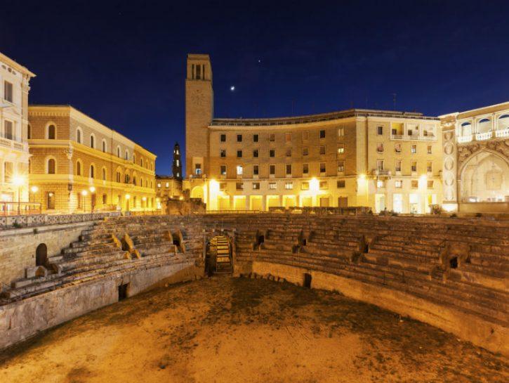 4329465-Lecce-citta-barocca-725x545