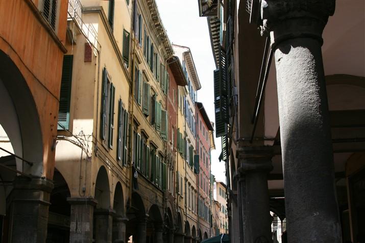 Pisa, Borgo Stretto