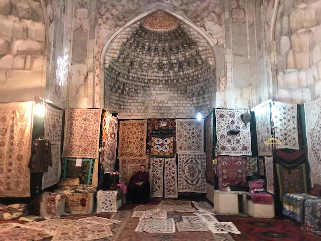 Bukhara mercato dei suzani
