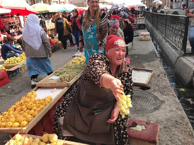 Samarcanda mercato vivivacissimo