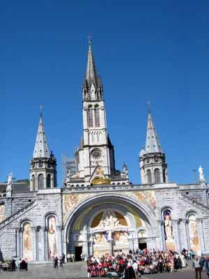 Lourdes un viaggio nelle proprie emozioni - Acqua di lourdes non bagna ...
