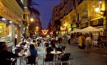 Vivi la movida di valencia scopri il tuo stile nella for Piscina el carmen valencia