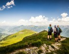 formatfactorybismark-c-gasteinertal-tourismus-gmbh-wandergruppe-am-gipfel-mit-grandioser-aussicht