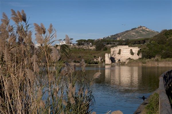 Tempio di Apolllo sul lago d'averno 25 agosto