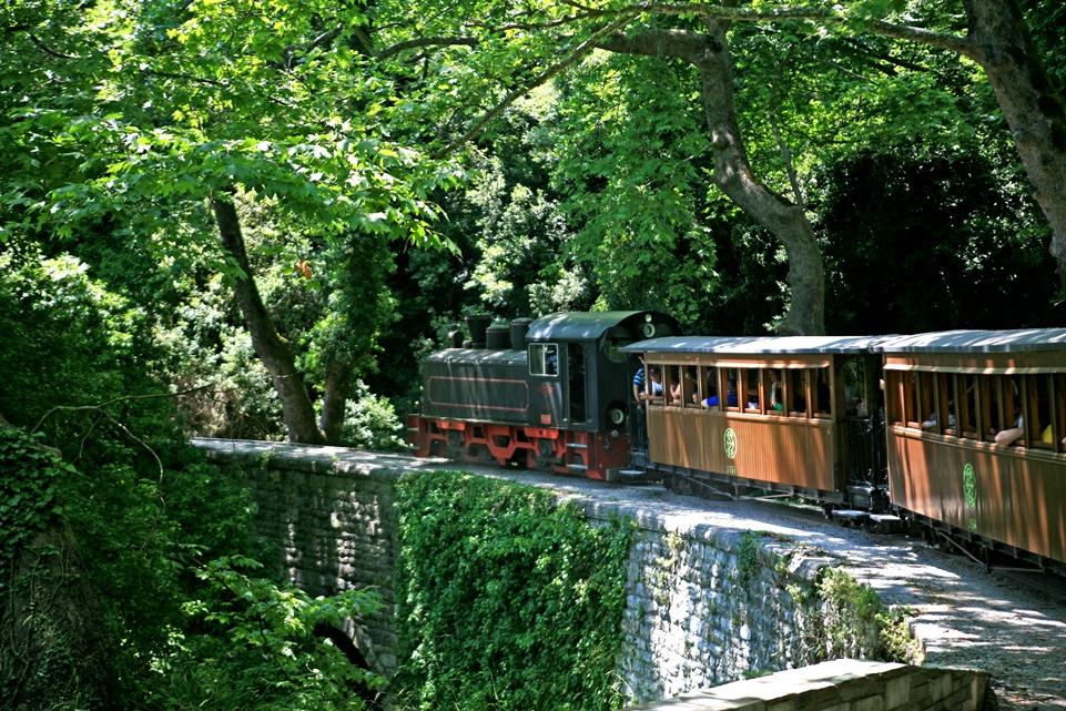 treno pilion sul ponte