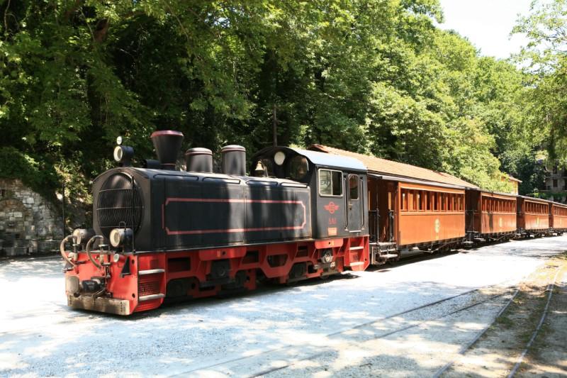 treno pilon in viaggio