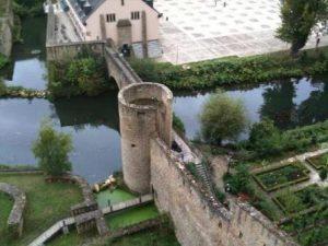 Lussemburgo-Il-Castello-Bock-di-Lussemburgo-300x225