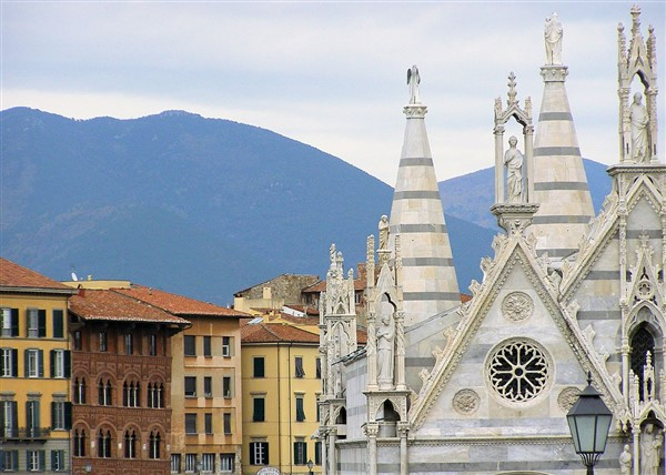 Pisa, Chiesa di Santa Maria della Spina, particolare_00310 by Lisa Larsson