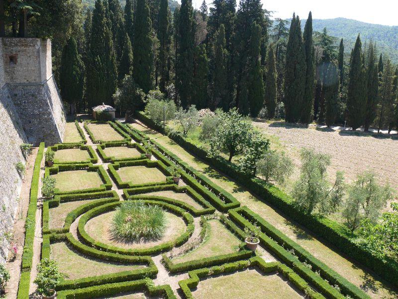 CastellodiBrolio_giardinoall'italiana