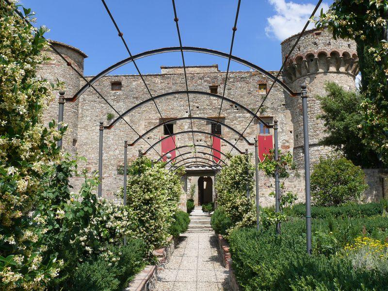 CastellodiMeleto_facciata