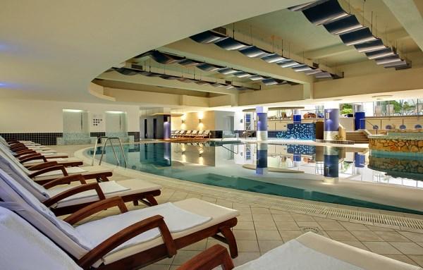 5_Valamar Diamant Hotel Pool_2