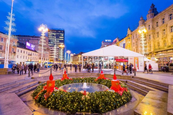 Advent-at-Ban-Jelacic-Square_CREDIT_Julien-Duval_Zagreb-Tourist-Board-570x380