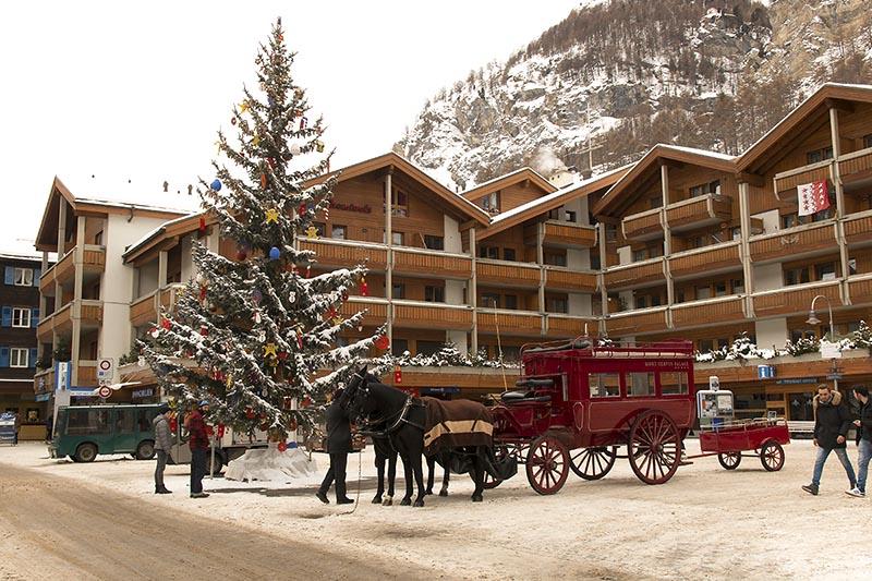 Zermatt_piazzalestazione_svizzera