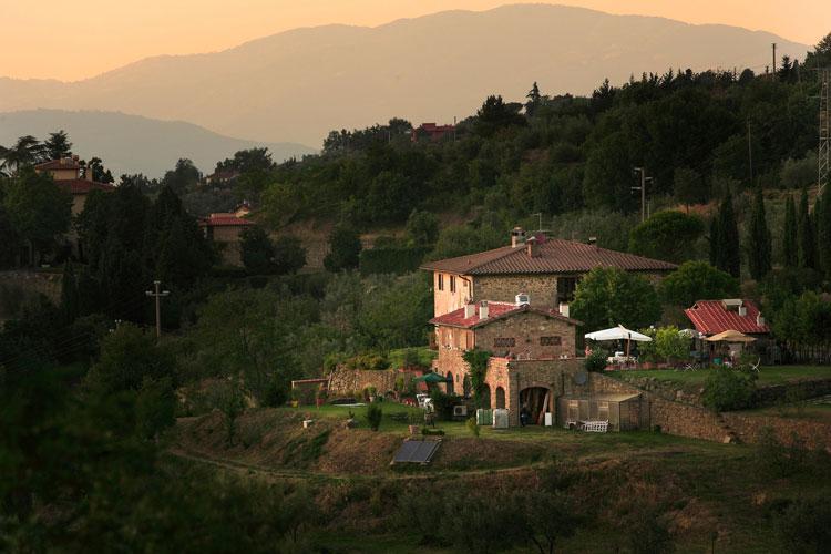 Agriturismo Podere Picciolo, in Valdarno, relax esclusivo nel verde. Tra borghi e abbazie, posto ideale per seguire gli eventi dedicati a Leonardo
