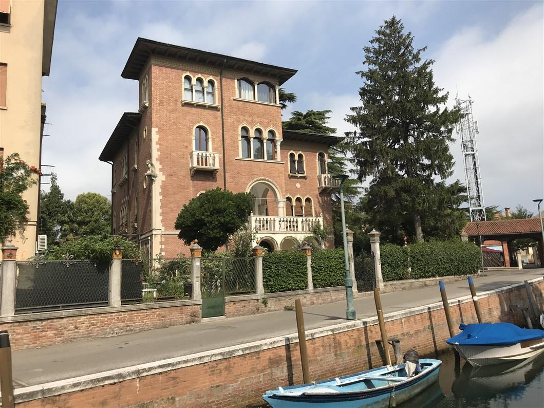 Lido di Venezia in stile Liberty