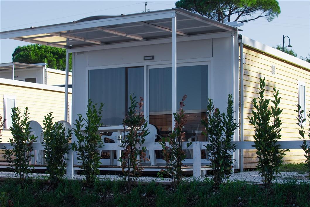 Week end romantici d'autunno al Desenzano Glam Village. Sul lago di Garda tra natura, escursioni interessanti e cene gourmet