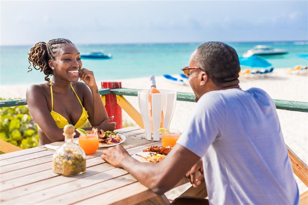Viaggio di nozze in vista? Anguilla, nel nord dei Caraibi, propone soluzioni da sogno in sicurezza da godere anche durante la pandemia